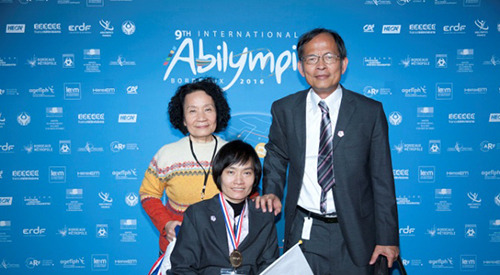 Professor Fang-Yie Leu supervises national champion to win a gold medal in International Abilympics